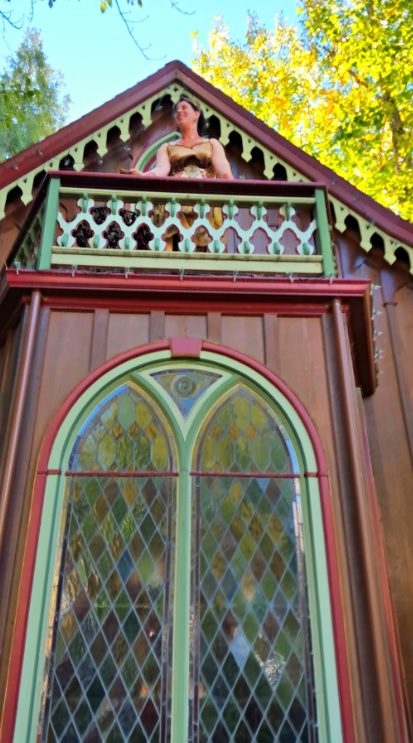 Nevada City rental used for elopement ceremony